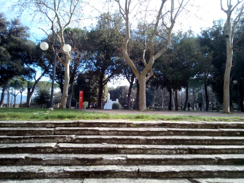 """Passeggiata in centro ad Arezzo:Foto del Parco """"Il Prato"""" di Arezzo dalla zona del Duomo"""