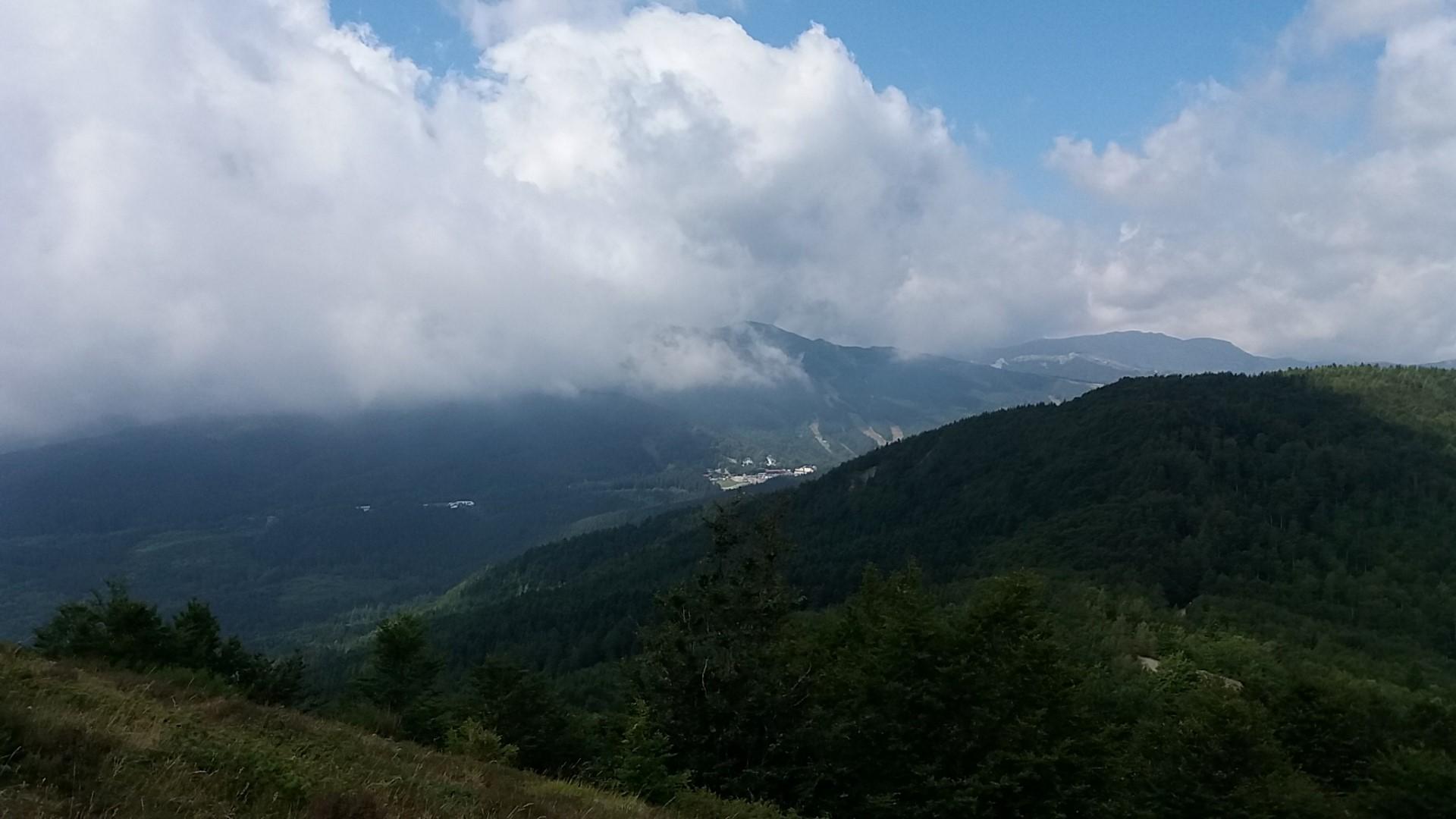 panorama verso valle dal Monte Cimone