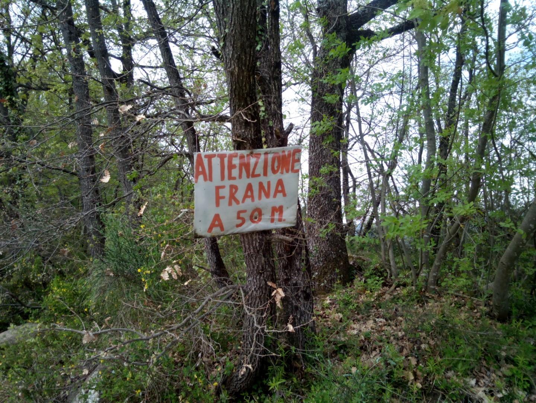 Frana sul sentiero 47