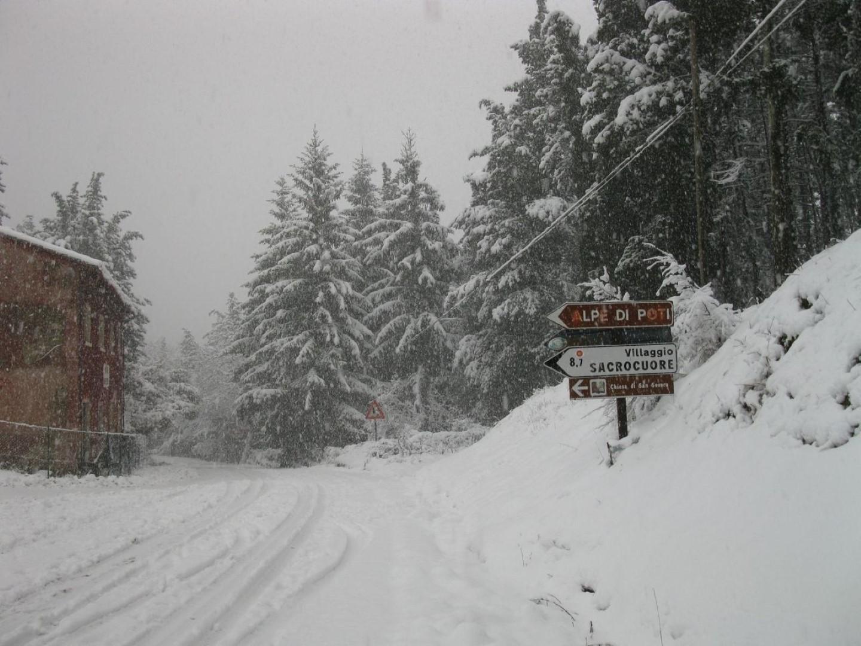 Svincolo per poti \San severo con la neve