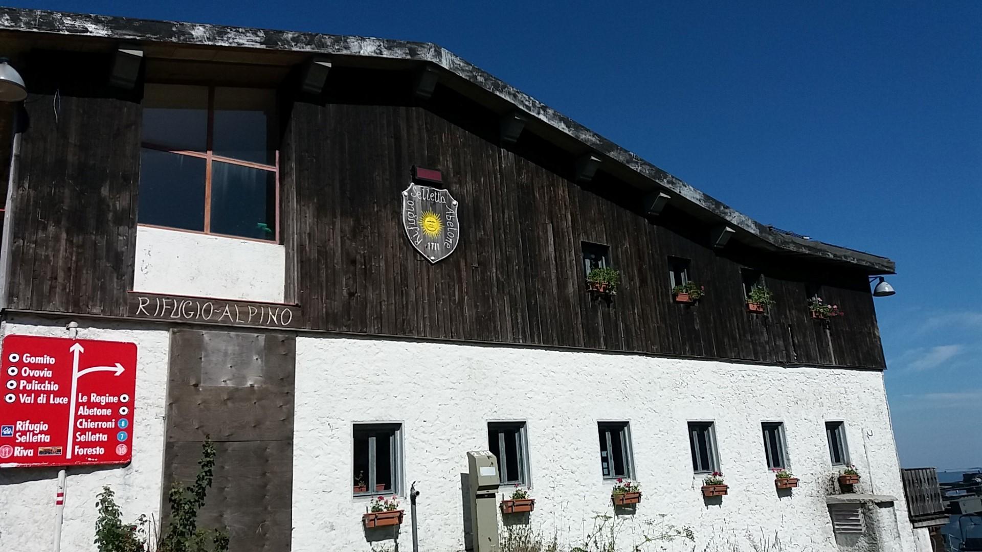 Il rifugio alpino selletta raggiungibile da Abetone