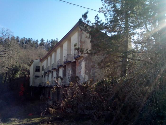 Albergo abbandonato sull'Alpe di Poti