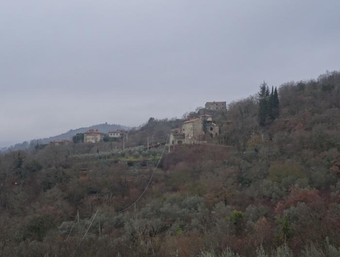 Case Ponina, piccolo centro abitato vicino Subbiano - Vecchie Vie escursioni trekking casentino Arezzo