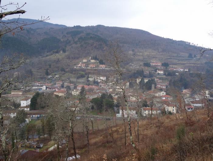 Vista panoramica di Talla -Vecchie Vie escursioni trekking casentino Arezzo