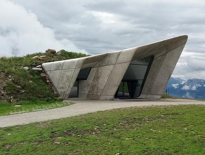 Museo dedicato a Mesner sulla cima del Plan de corones