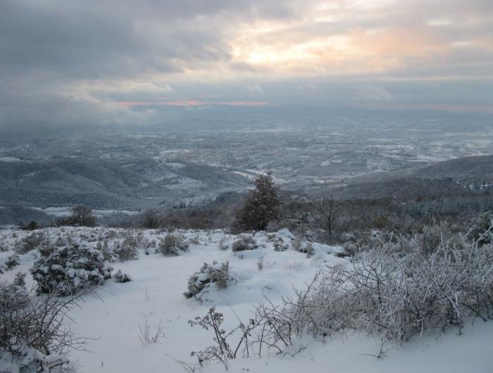 Il panorama di poti con la neve