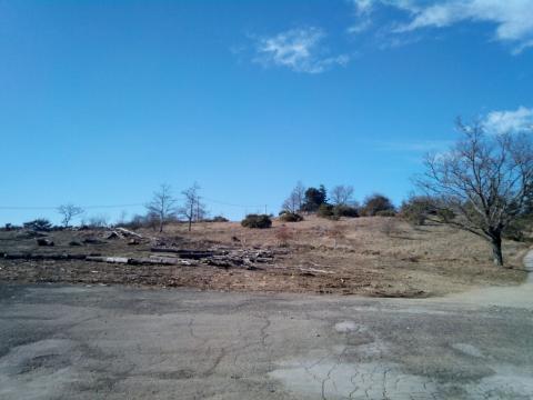 Piazzale sulla cima di Poti