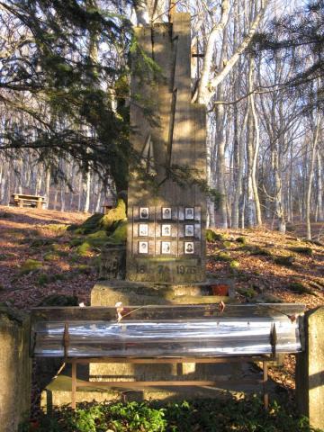Baregno-Fonti del Baregno Monumento Caduti Fulmine