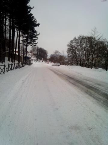 Strada innevata presso Via Maggio